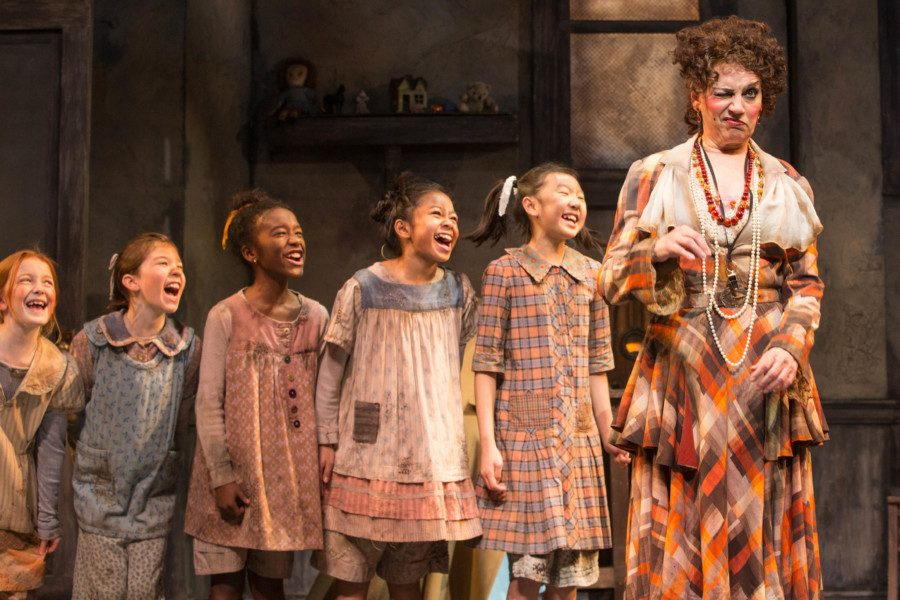 """Annie"" Coming to the Birmingham Stage this November!"